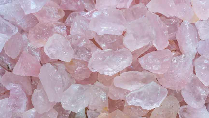 سنگ رز کوارتز خواص و کاربردهای سنگ شگفتانگیز رز کوارتز